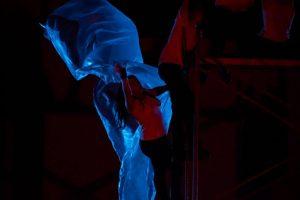 AL MAR LE CABE CUALQUIER MONSTRUO Co-producción Teatro Habitado y Ekkyklema Teatro. Producción Propia Juvenil de EMERGENTES. Fotografía- Alejandro Carrillo.2